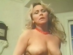 Retro lesbians with natural boobs &amp, hairy cunts