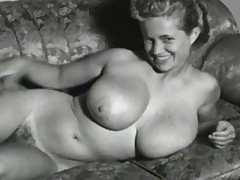 Virginia Bell Buxom 50&#039,s Model
