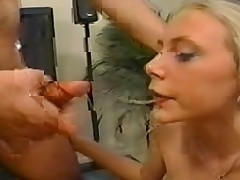 Little Cinderella and Tammi Ann Double Anal(Gr-2)
