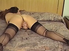 VINTAGE BRUNETTE MASTURBATES IN HER STOCKINGS