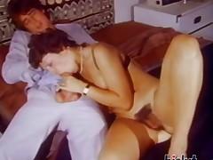 This slut got herself horny
