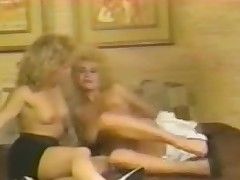 Blonde retro sluts in hard lesbo pussy licking action