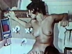 Lesbian Peepshow Loops 659 70s and 80s - Scene 2