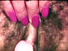 Fat bitch gets her gaping cunt licked by GF