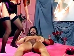 Horny older slut gets wet pussy fucked part2