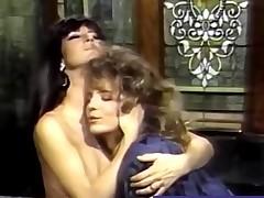 Classic Lesbo Porn In a Bubble Bath